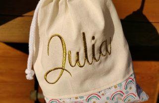 pochon blanc brodé Julia en doré