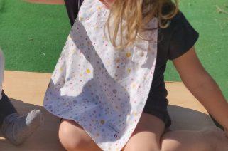 serviette de table enfant avec des motifs petits ronds