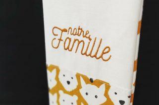 livret de famille avec des motifs animaux brodé